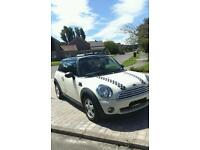 Mini One Pepper Pack! 2009. Bluetooth Connection. LOW MILES - 37k. Immaculate Condition!!