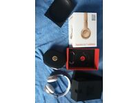 Boxed gold wireless beats 3