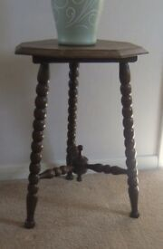 VINTAGE SMALL BOBBIN LEG SIDE TABLE IN GOOD CONDITION