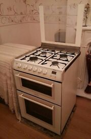 Hotpoint 60cm wide glass lid gas cooker