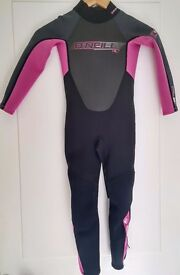 Girls Reactor 3/2MM full wetsuit - As New Size 4 (118cm to 126cm in height), Craiglockhart