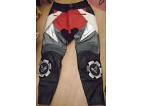 FRANK THOMAS RACING MOTORBIKE TROUSERS, armoured leather trousers UK size 44