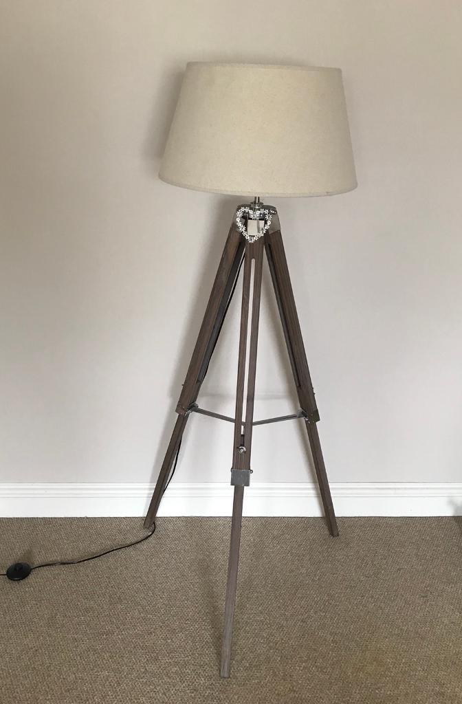 Tripod lamp - very good condition