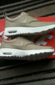 Womens air max trainers