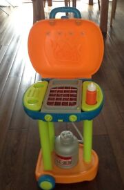 Kids plastic BBQ playset with real sizzling sounds! VGC