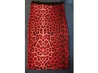 Ladies Pencil Skirt Red Print 8/10
