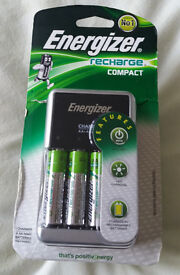 Energizer Recharge Compact Battery Charger with Batteries AA 1500mAh 4pk