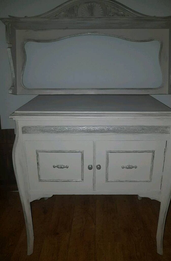 Shabby chic unit with shelf