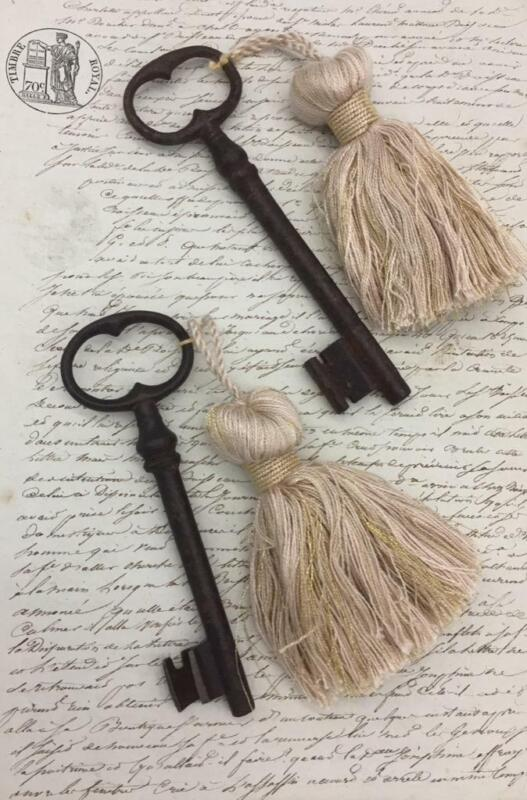 WONDERFUL ANTIQUE FRENCH KEY WITH TASSEL - VERY CHATEAU CHIC 13 CMS LONG