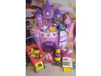 Disney Princess talking kitchen with lots of accessories