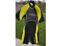Ladies Small 3 Quarter Wet Suit.