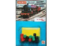 Merit OO/HO Gauge Railway Accessories - 5067 Oil Drums