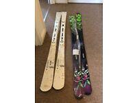 2 pairs of new skis Solomon and k2 / new bindings