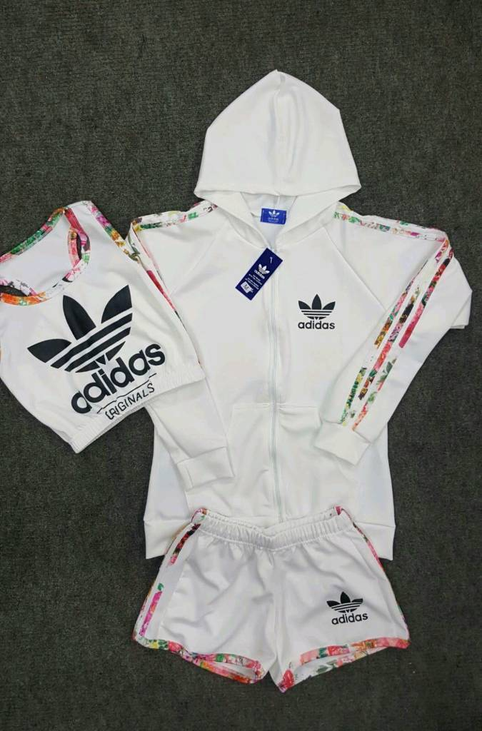 Adidas 3 pieces shorts setin Salford, ManchesterGumtree - Adidas 3 pieces shorts set for ladies. Uk sizes small to xl.PayPal accepted All exchanges and returns accepted. Text on 07475824789