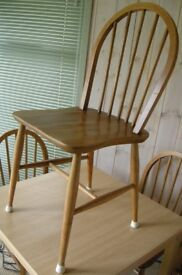4 Traditional Spoke Back Dining Chairs.