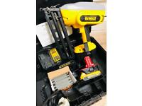 DeWalt DC618 XRP NiCd & Lithium 2nd Fix Cordless 18v Angled Finish Nailer