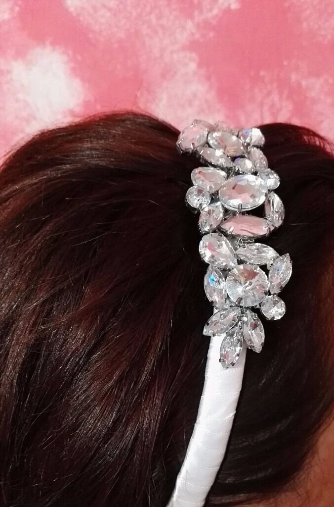 Headband with stonesin Hendon, LondonGumtree - Headband with stones, white color, handmade, easy to use in all occasions you want