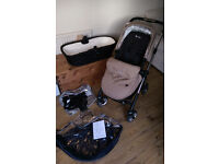 Silvercross Wayfarer Pushchair and Carrycot in Sand. Excellent condition.
