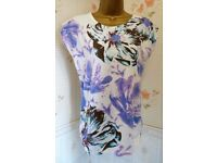 Lovely Ladies Sleeveless Top - Size: 12