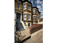 Stunning 3 bed 2 Bathroom Period Victorian Garden House in Clapton E5 for £2,600p/cm COME VIEW!