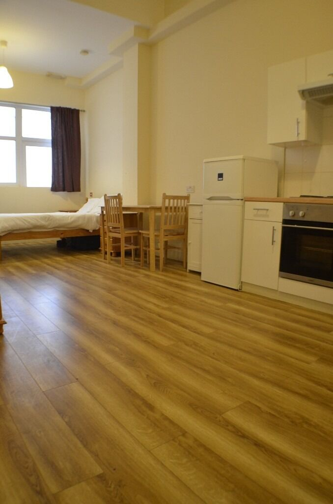 ******* 1 Month Rent Free -- Harlesden High Street All bills INCLUDED *******
