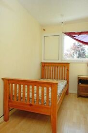 Cheap Single Room Available in Large 5 Bedroom House, SW15.