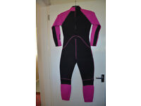 GIRLS NALU WETSUIT in excellent condition