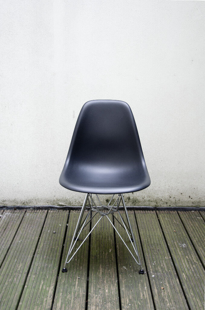 Vitra Eames Dsr Side Chair Black Eiffel Mint Condition Rrp 250
