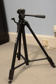 Velbon DF 50 3-way adjustable 360° tripod with quick release