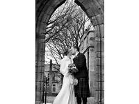 Photographer - Free Engagement / Couple Shoot