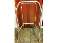 LIGHTWEIGHT WALKING / ZIMMER FRAME WITH ADJUSTABLE HEIGHT