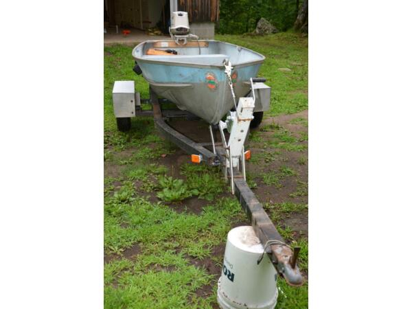 1985 Other 12 foot aluminum boat motor trailer
