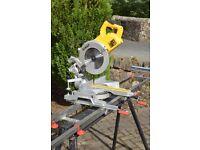 Dewalt DWS778 250mm Slide Compact Mitre Saw 240v. Includes work stand/bench.