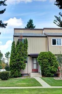 North Side 2 Bedroom Townhouse **AVAILABLE IMMEDIATELY** Unit #5