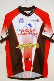 2 x Short Sleeve Cycling Jersey XL size Very Clean Condition