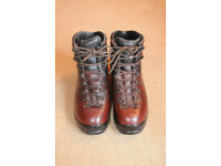Scarpa walking boots size 43