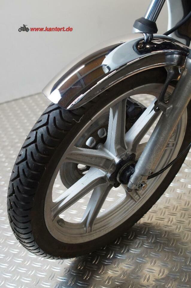 Yamaha XS 360 mit MBV Verkleidung in Willich