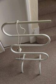 Portable towel rail