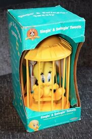 Looney Tunes - Singin' & Swingin' Tweety - Rare item - Grab a bargain!