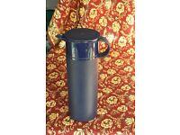 Tupperware 1ltr jug.