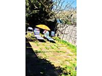 SHORT TERM LET, 1-2 weeks,LARGE DR with Garden , suitable for 2-3 adults /couple with kids.