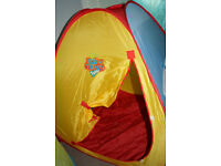 Pop up tent with tunnel