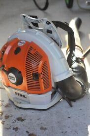Stihl BR700 petrol leaf blower