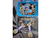 Magnetic dolls set