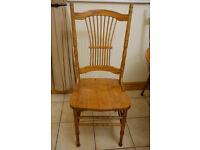 Oak dining table (circular) & 4 matching oak chairs