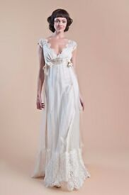Claire Pettibone wedding dress. Boho, vintage, beautiful lace detail. Designer dress. Unworn. Sale!