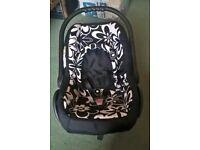 Car Seat (newborn - 9kg)