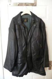 3/4 LENGTH BLACK LEATHER COAT IN VERY GOOD CONDITION