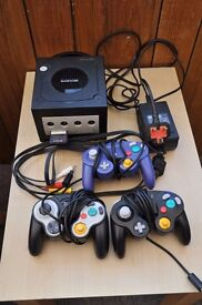 Nintendo Gamecube Console with all leads, 3 controllers, 9 games & Memory card, Thatcham, Berkshire