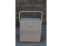 vintage / retro sewing basket